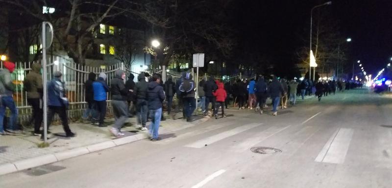 Никшић: Више стотина грађана протестовало близу родне куће Мила Ђукановића