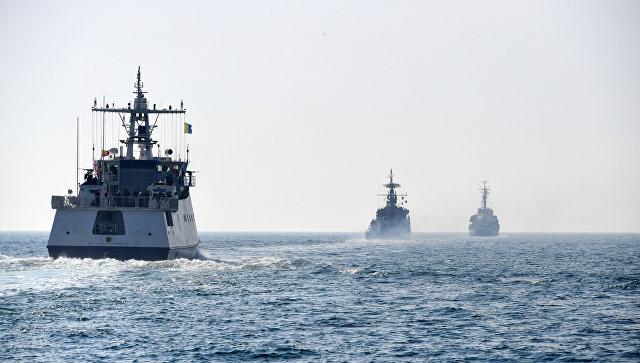 Брод и авион Црноморске флоте испалили хице упозорења према британском разарачу у Црном мору