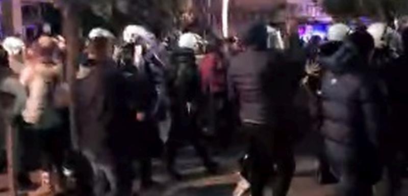 Kод Храма мирно - разишли се и грађани и полиција