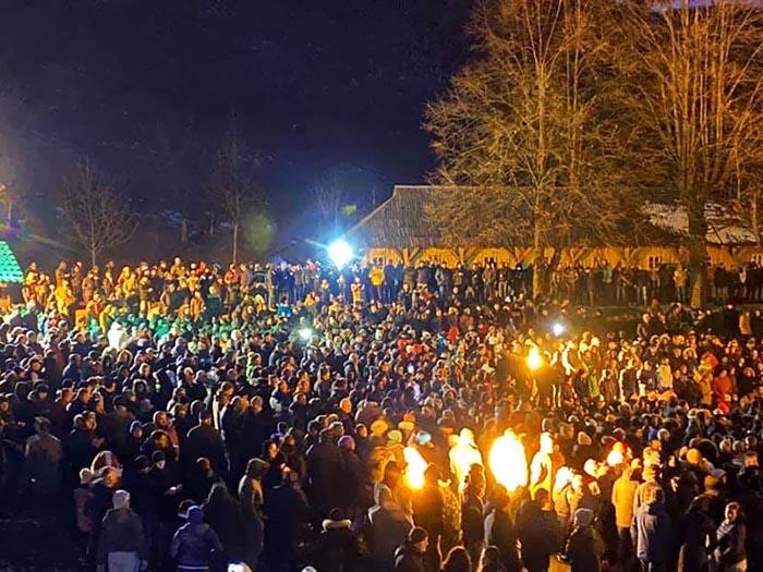 Епархија будимљанско-никшићка: Десет хиљада Беранаца у Крсном ходу за одбрану светиња