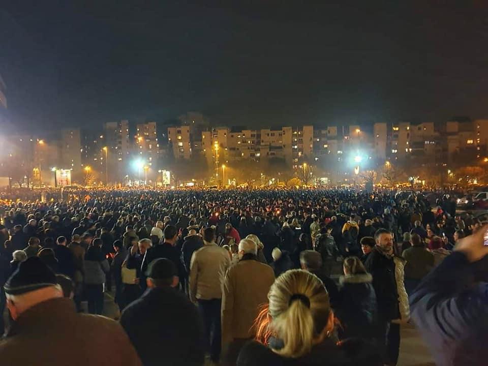 Хиљаде грађана широм Црне Горе на молебанима и литијама