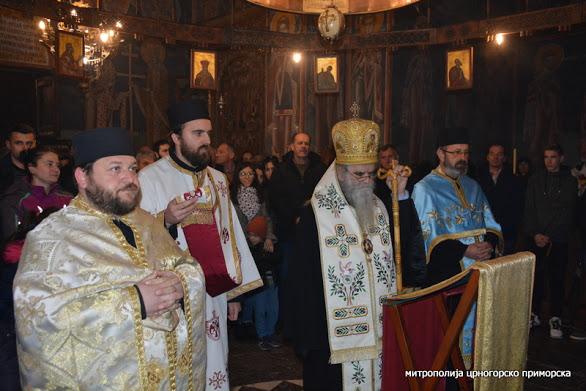 Митрополит Амфилохије у манастиру Морача: Овдје је васкрсао народ