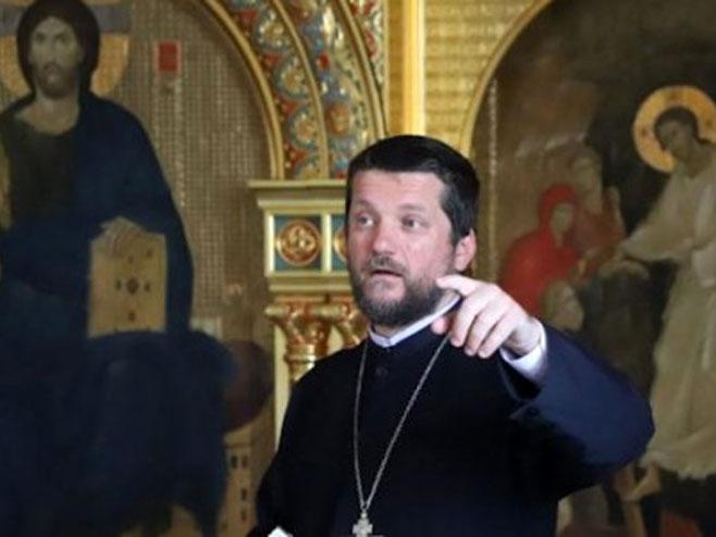 Отац Гојко Перовић одговорио Ђукановићу: Циљ нам је да промијенимо закон, а не државу