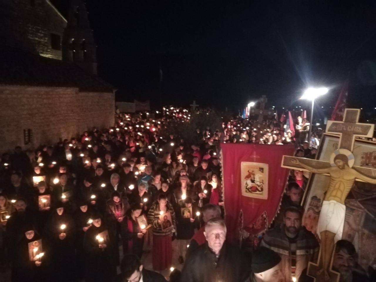 Отац Гојко Перовић: Дођите међу народ па ће вам бити јасно што су светиње