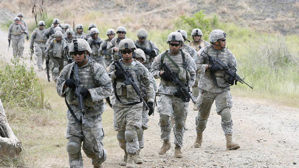 """РТ: """"Време је да се ослонимо на себе"""": Филипини раскинули војни споразум са САД-ом који је омогућавао боравак америчких војника и имунитет"""