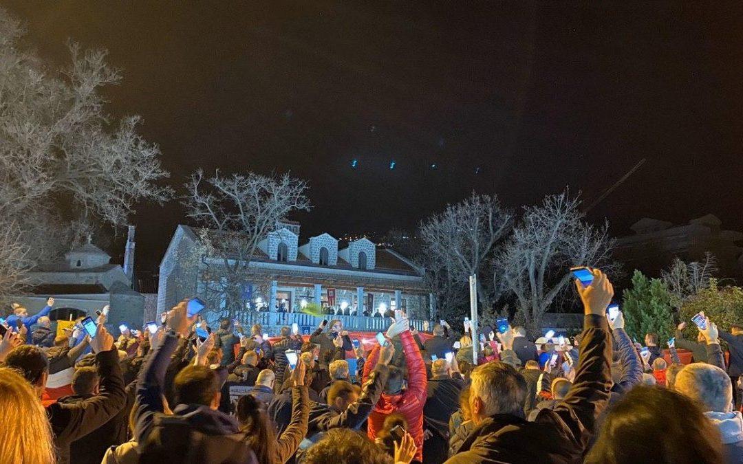Otac Boris Brajović u Budvi: Ovu bitku ne smijemo da izgubimo, idemo do slobode naše Crne Gore
