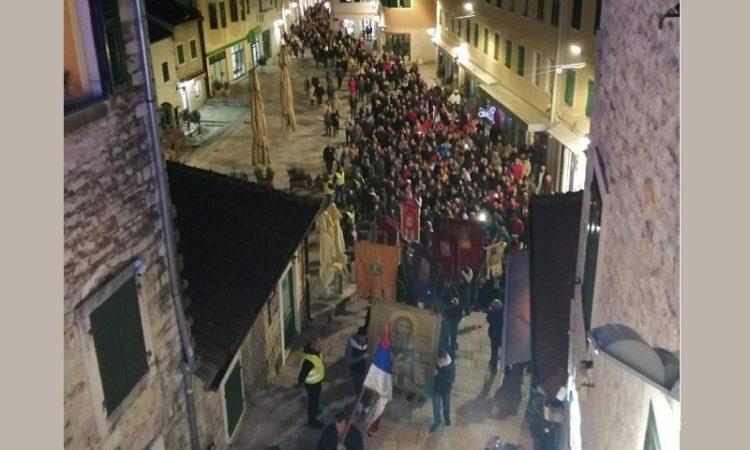 Ђакон Иван Црногорчевић: Литије народ измирују, а земаљска брани небеску Црну Гору
