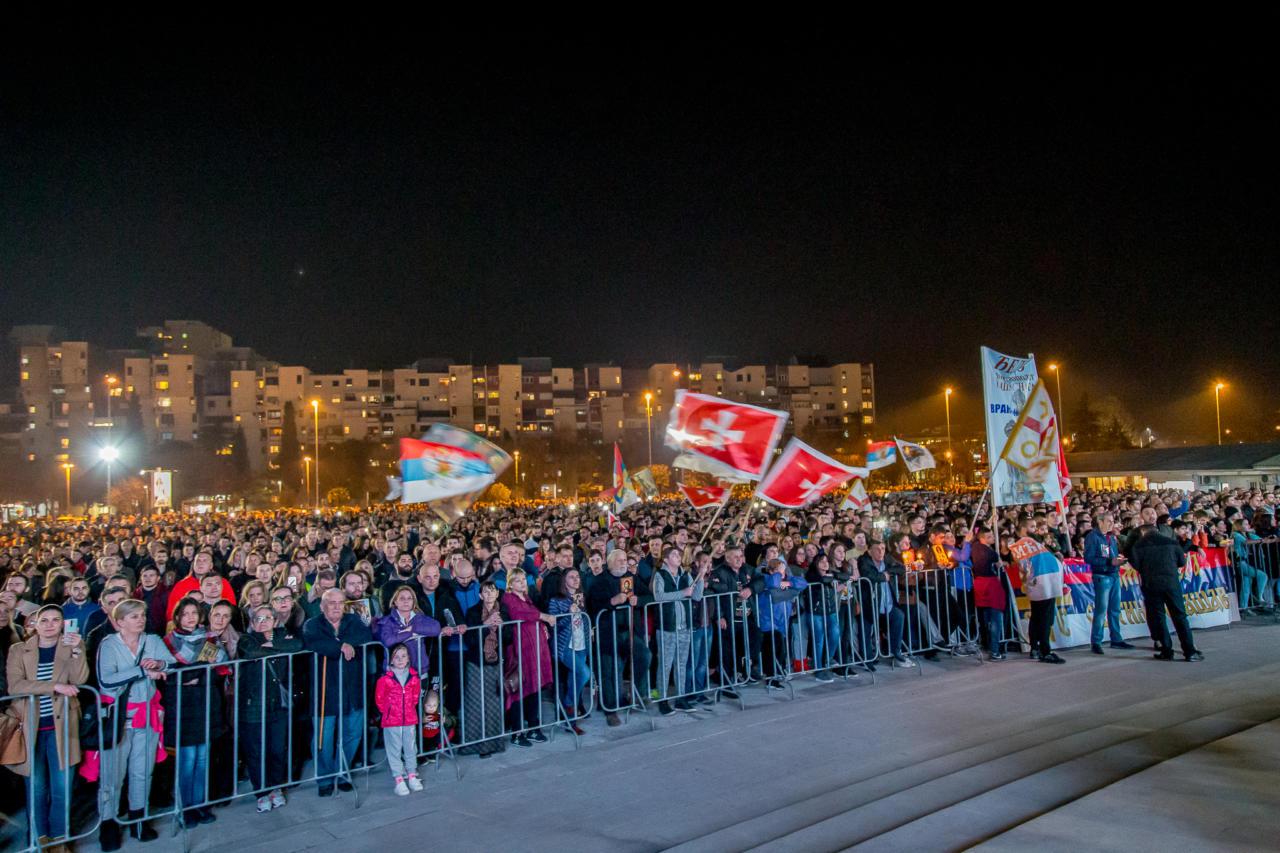 Литија у Подгорици: Ви показујете цијелом свијету, прво нашем народу и овим просторима, да не мора народ бити манипулисан политиком и вођен мајсторима маркетинга и чуда