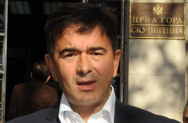 Медојевић: Госпођо Дорис Пак закључак може бити само један – Влада Црне Горе шверцује кокаин. ЕУ подржава Владу. ЕУ подржава шверц кокаина.