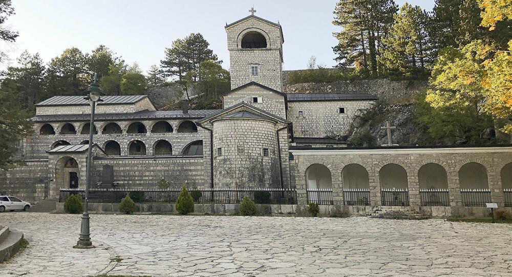 Митрополија црногорско-приморска: Захтјевамо и молимо престанак насиља и успостављање цивилизовног односа са Црквом