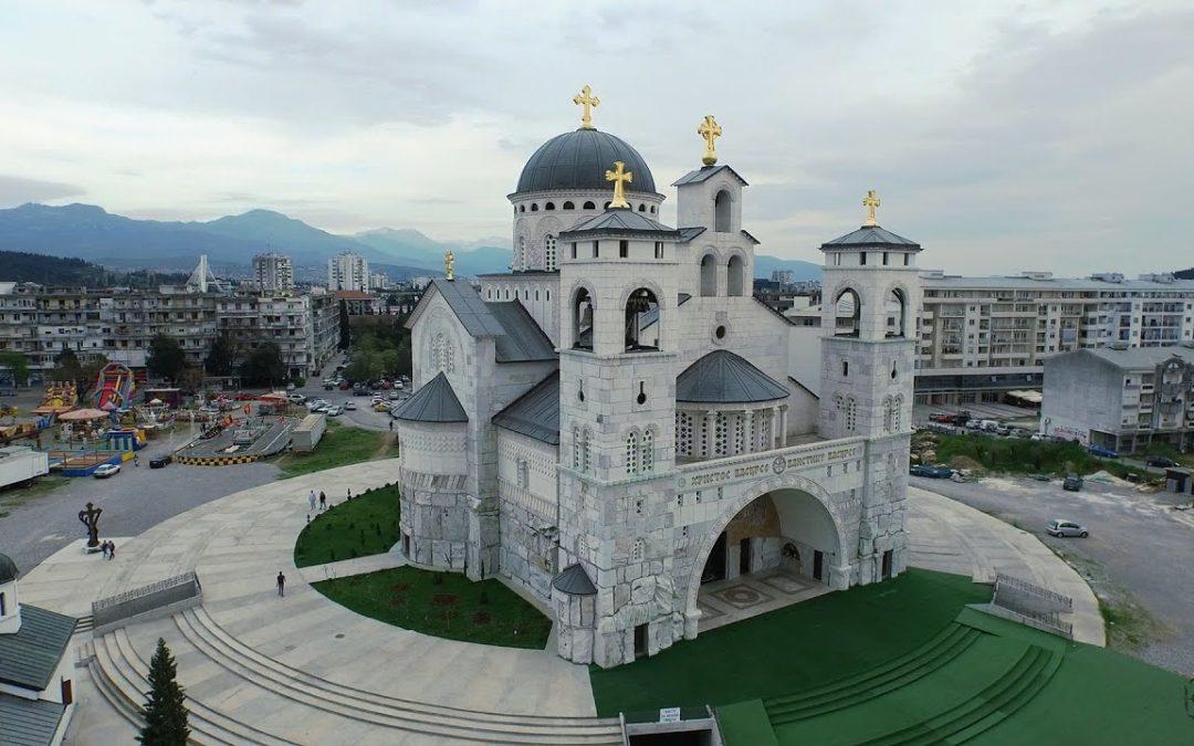 Митрополија црногорско-приморска: Престаните са гоњењем Цркве, не дамо светиње!