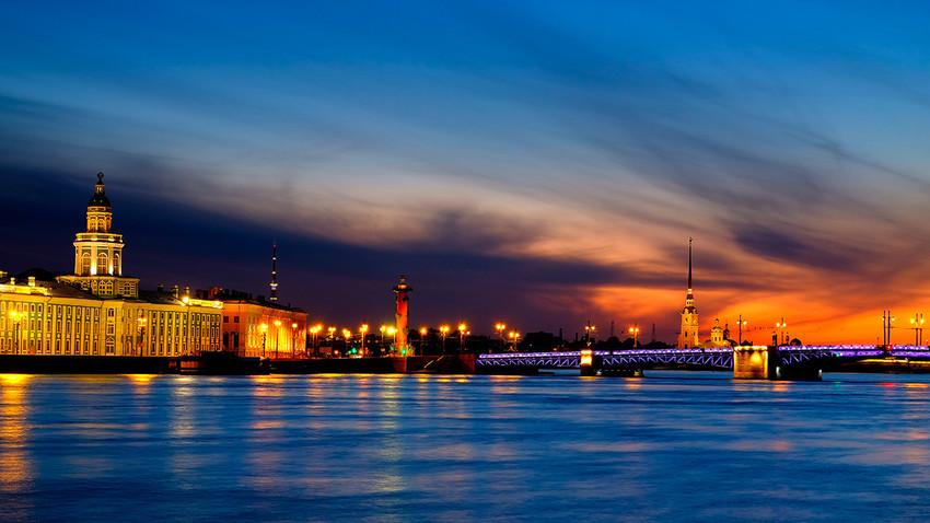 Беле ноћи из прве руке: Шта о природном феномену кажу петербуржани