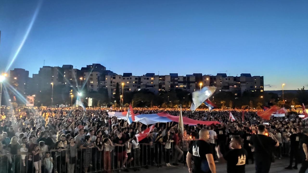После скоро три месеца у више градова Црне Горе поново кренуле литије