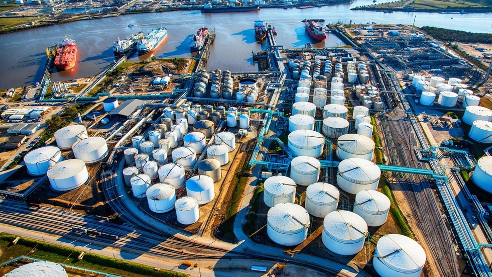 РТ: Амерички увоз руске нафте забележио рекорд упркос растућим политичким тензијама