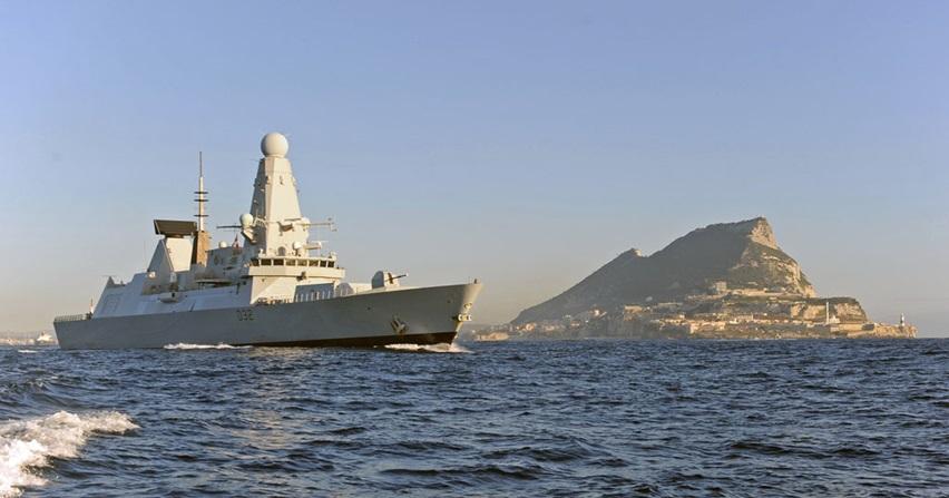 """Британска штампа придала посебан значај уласку разарача """"ХМС Даринг"""" у Црно море"""