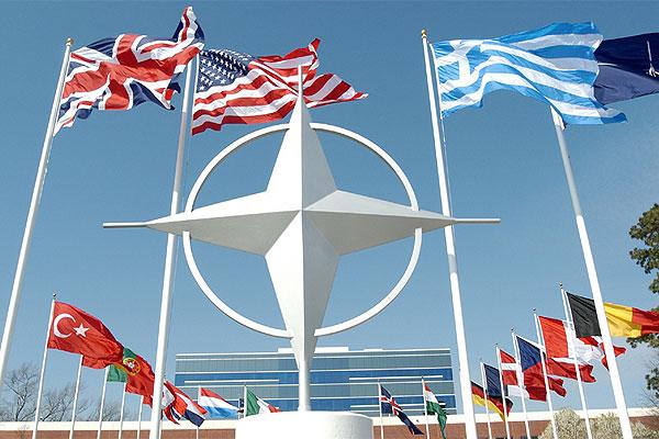 """""""Ојачати НАТО због руске агресије"""""""