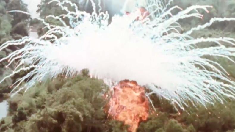 РТ: Бацање напалма и фосфора од стране САД по вијетнамским селима
