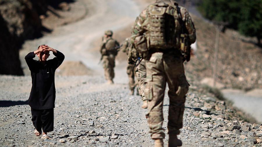"""РТ: За Војску САД сексуално злостављање деце је """"културно прихваћена пракса"""" у Авганистану"""