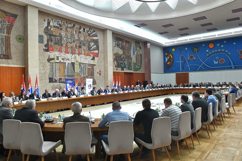 Oкругли сто у Палати Србија: Политичко-безбедносни и одбрамбени аспекти косовско-метохијског проблема