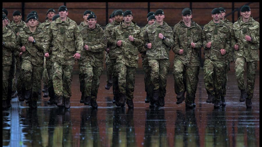 """РТ: Спремни за рат са Русијом? Шеф британске одбране реструктуише војску због """"државних претњи"""""""