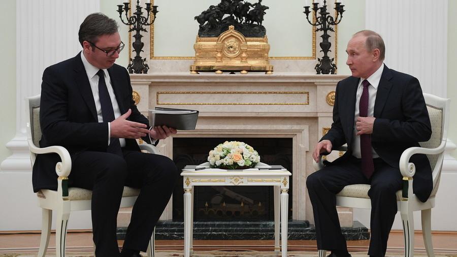 РТ: Србски председник стигао Москву након кризе на Косову