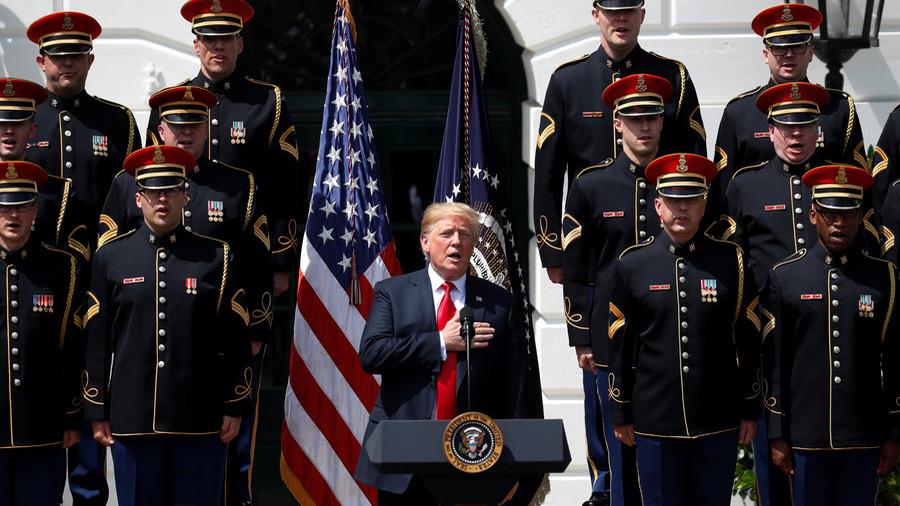 """РТ: Трампова кукњава на """"луди"""" војни буџет и трка у оружју са Кином и Русијом"""