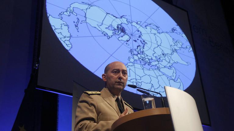 РТ: Забранити Русима улазак у САД, санкционисати спортске тимове, музичке оркестре - каже бивши командант НАТО-а