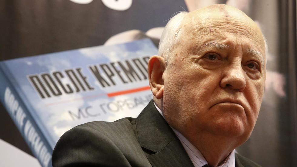 РТ: Одлука САД-а да изађу из Споразума о ракетама изазваће хаос - Горбачов