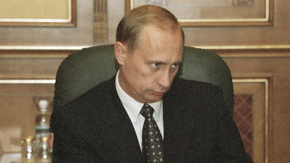 """РТ: Путин је 1998. могао бити """"отпуштен"""" са највишег шпијунског посла који га је одвео до места председника"""