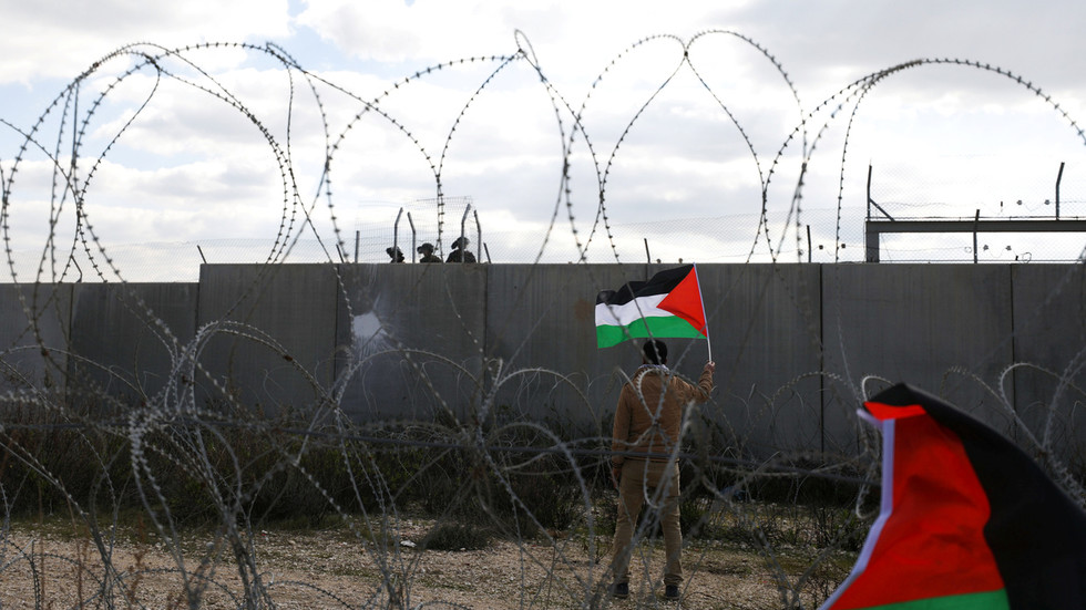 """РТ: """"Хјуман рајтс воч"""" подрива """"право Израела да постоји"""" извештајем који га оптужује за злочин прогона и апартхејда, тврди израелски министар"""