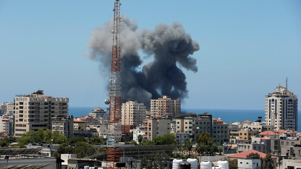 """РТ: Свет мора да изврши притисак на Израел да оконча свој """"убилачки напад на Газу"""", каже Роџер Вотерс"""