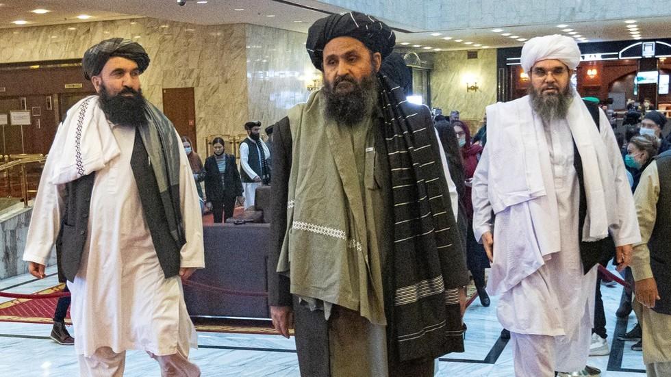"""РТ: САД би могле узети авганистанске националне резерве, али њихова претња изолацијом талибана """"нема везе са реалношћу"""""""