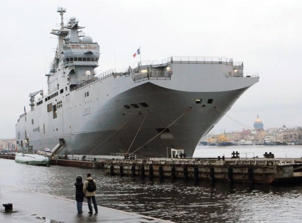 Француски брод стигао у Јапан како би учествовао на војним вежбама