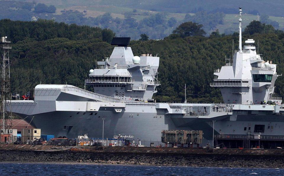 Испловио највећи британски брод и носач авиона