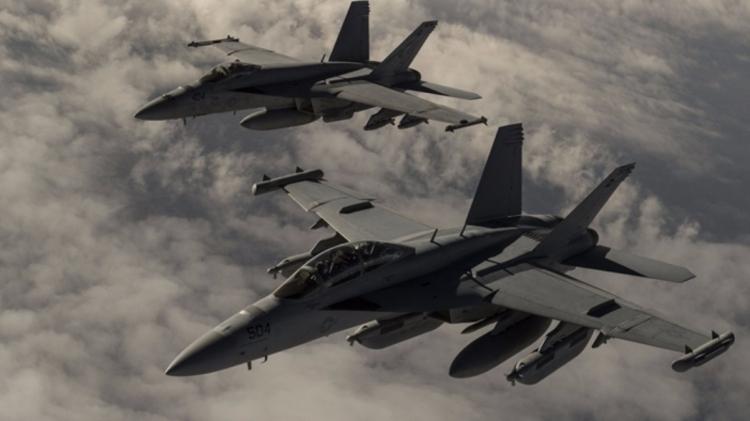 Бродови и авиони САД у борбеној готовости због могућег напада на Сирију