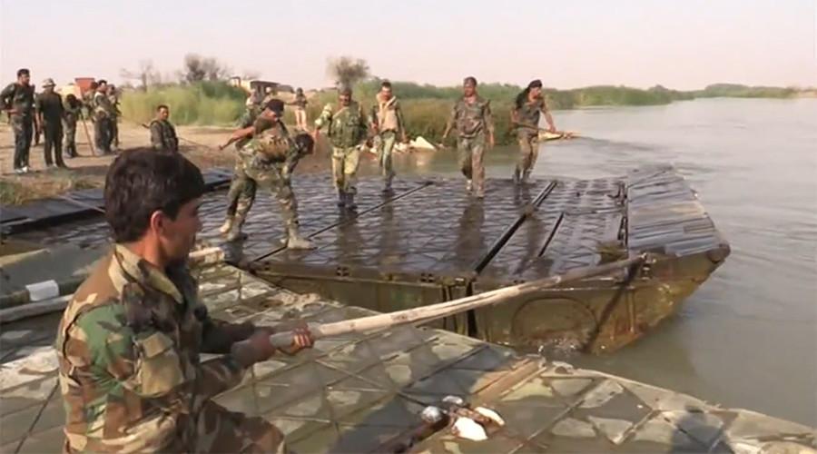 РТ: Сиријске трупе прелазе Еуфрат док напредују источно од Деира ез Зора