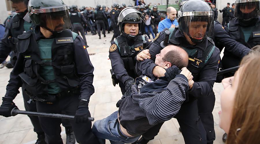 Градоначелник Барселоне: Преко 460 повређених, полиција мора престати да напада беспомоћни народ