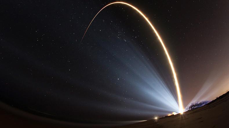 """РТ: САД проглашавају космос новим """"борбеним пољем"""""""