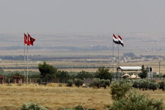 Анкара гомила војску на граници са Сиријом