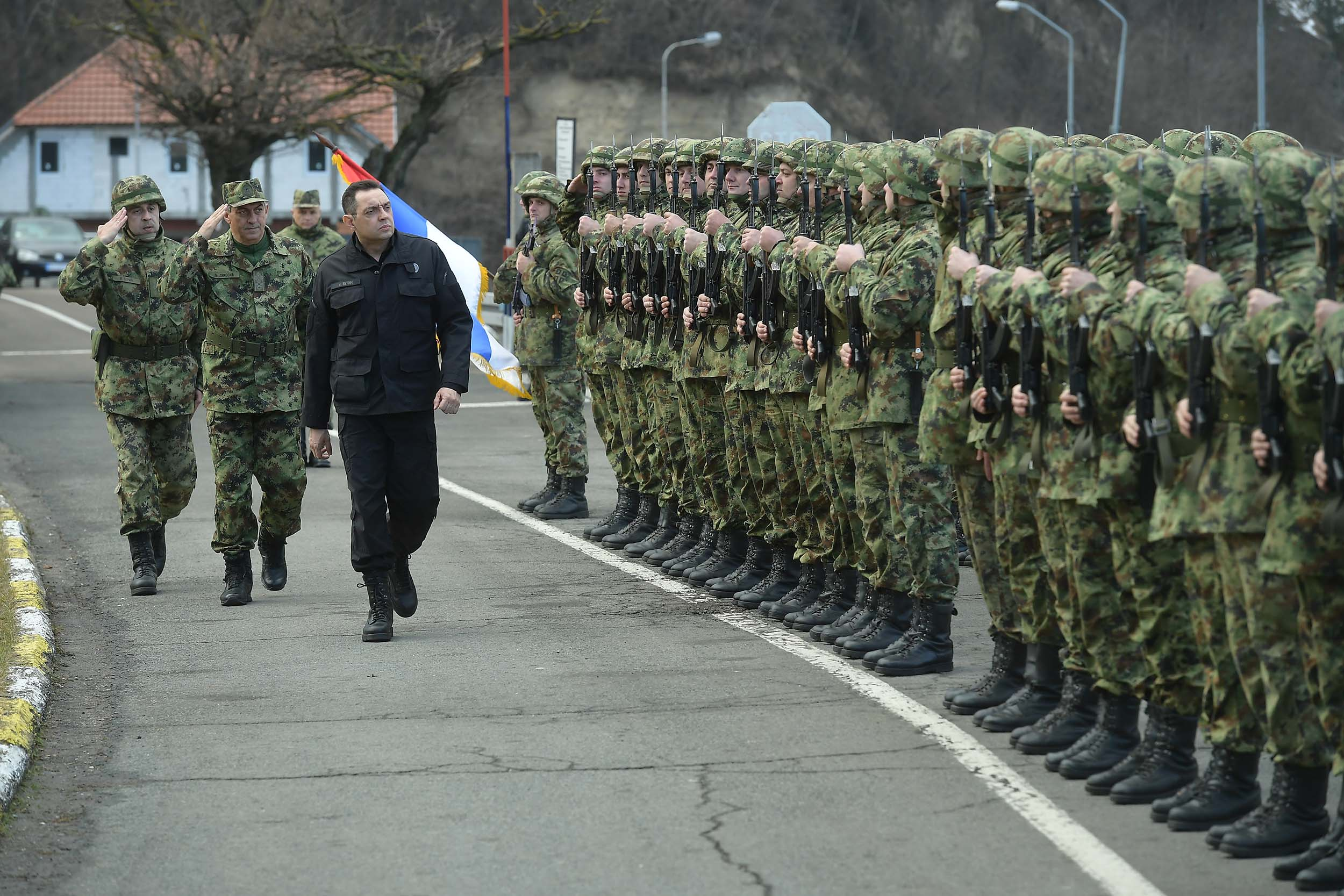 Војска Србије спремна да изврши свако наређење врховног команданта