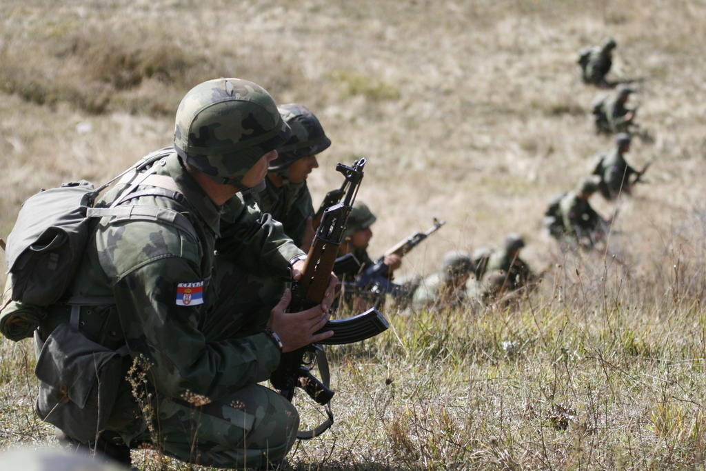 Војска Србије упозорила КФОР да неће бити неми посматрач ако дође до угрожавања безбедности Срба