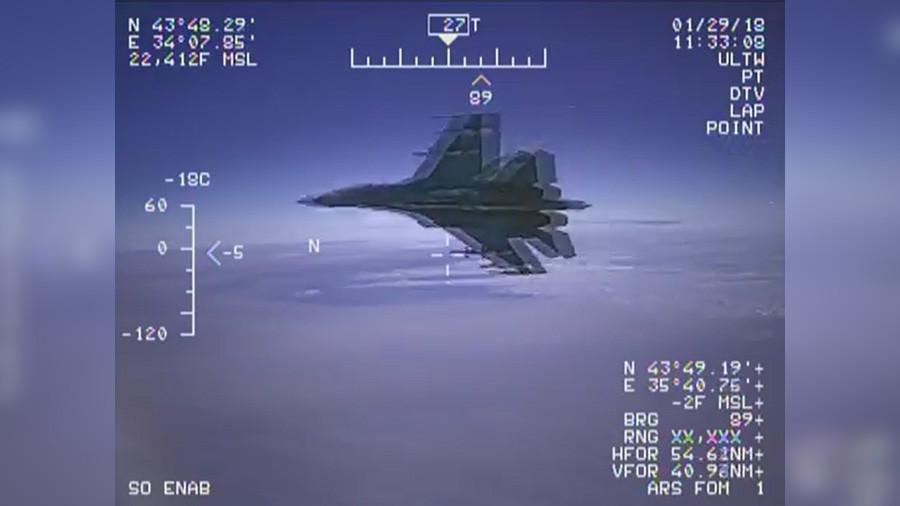 РТ: Пентагон објавио снимак пресретања извиђаког авиона од стране руског Су-27