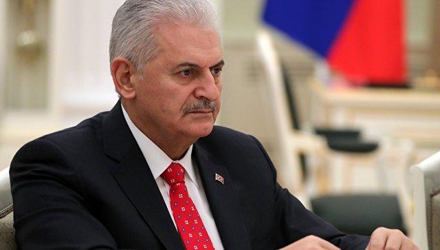"""Турски премијер посетио командни штаб операције """"Маслинова гранчица"""""""