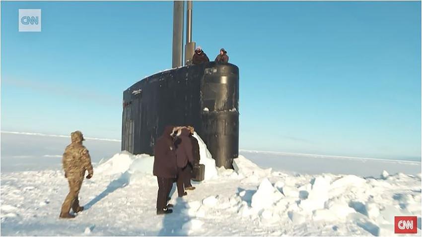 """Генерал Мраз у акцији: Америчка подморница се заглавила у леду док је увежбавала """"напад на Русију"""""""