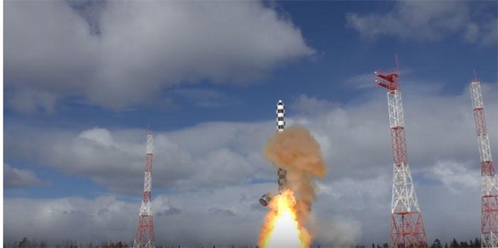 """Министарство одбране РФ објавило снимак лансирања ракете """"Сармат"""""""
