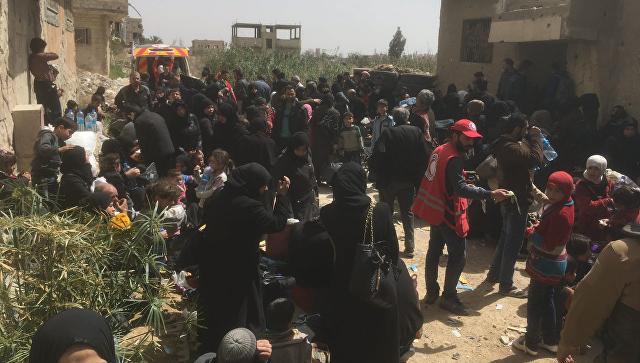 Милитанти излазе из Думе кроз хуманитарни коридор