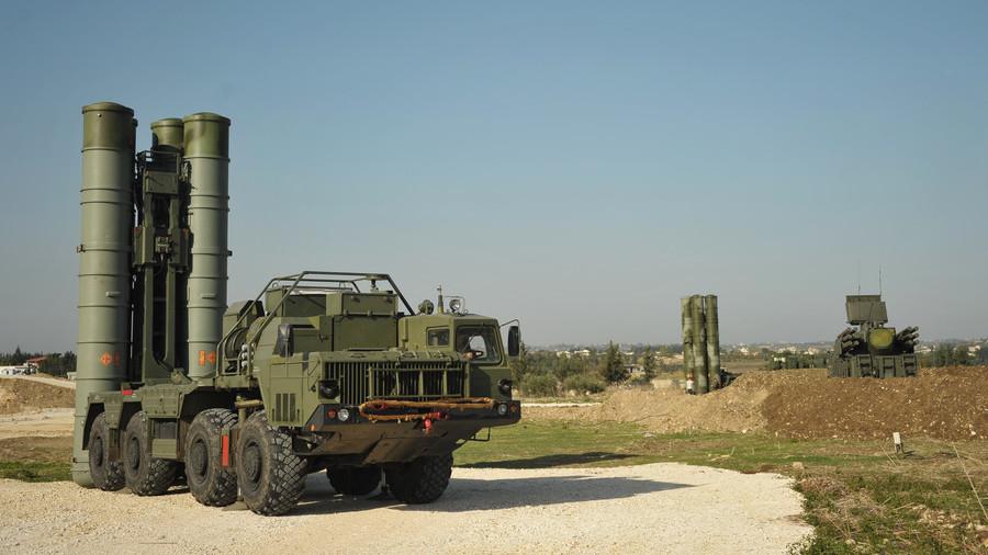 РТ: Руска ПВО у Сирији уништила неколико циљева који су се кретали према бази Хмеимим
