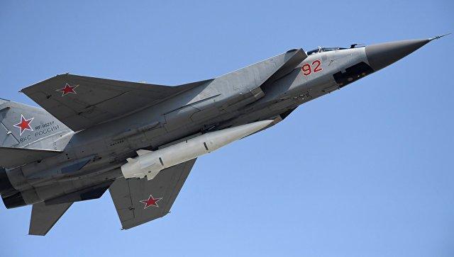 """Deset aviona """"MiG-31"""" sa projektilima """"Kinžal"""" na eksperimentalno-borbenoj dužnosti"""