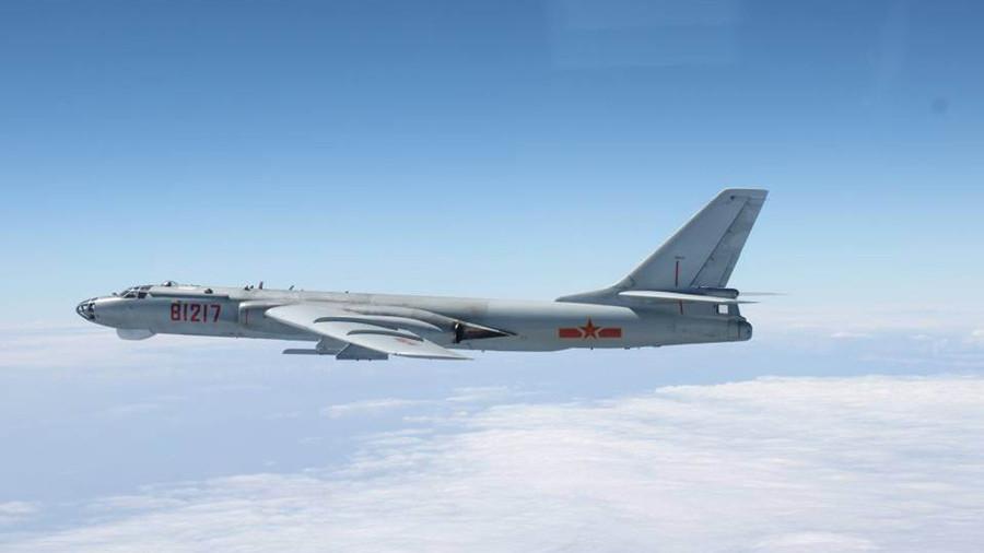 РТ: Маневри у кинеских стратешких бомбардера у Јужном кинеском мору