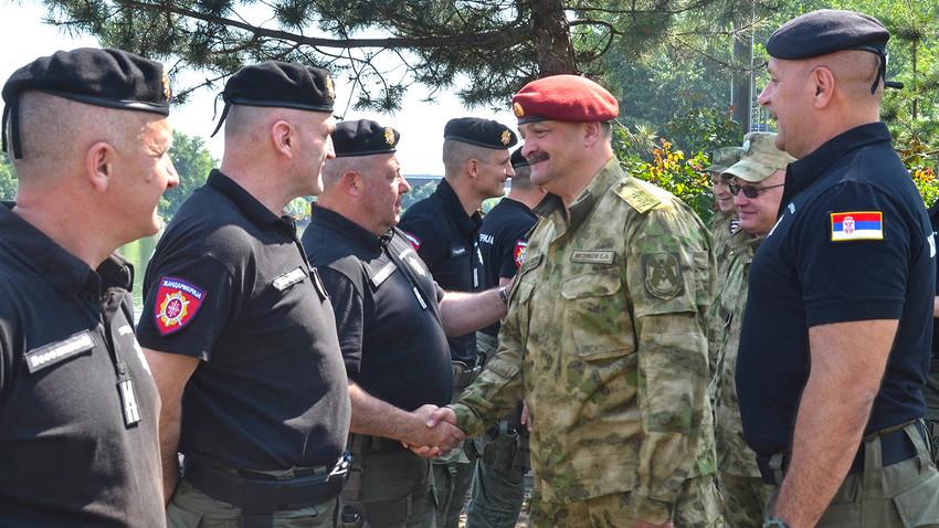Заједно против тероризма: Висока делегација Росгвардије у посети србској Жандармерији